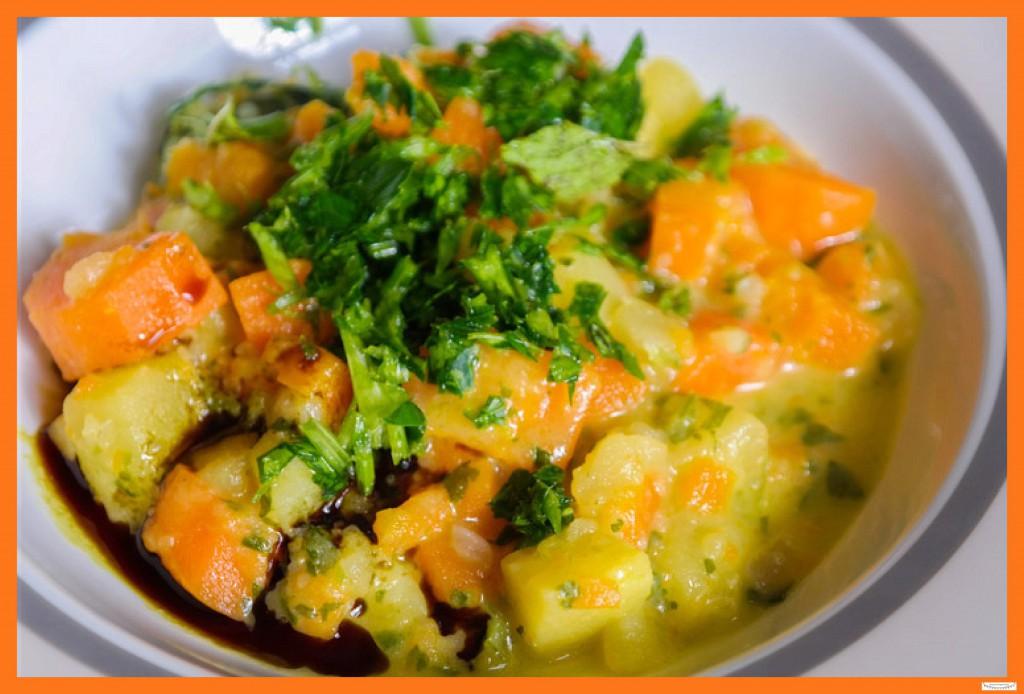 Hausgemachte vegetarische Kartoffelsuppe