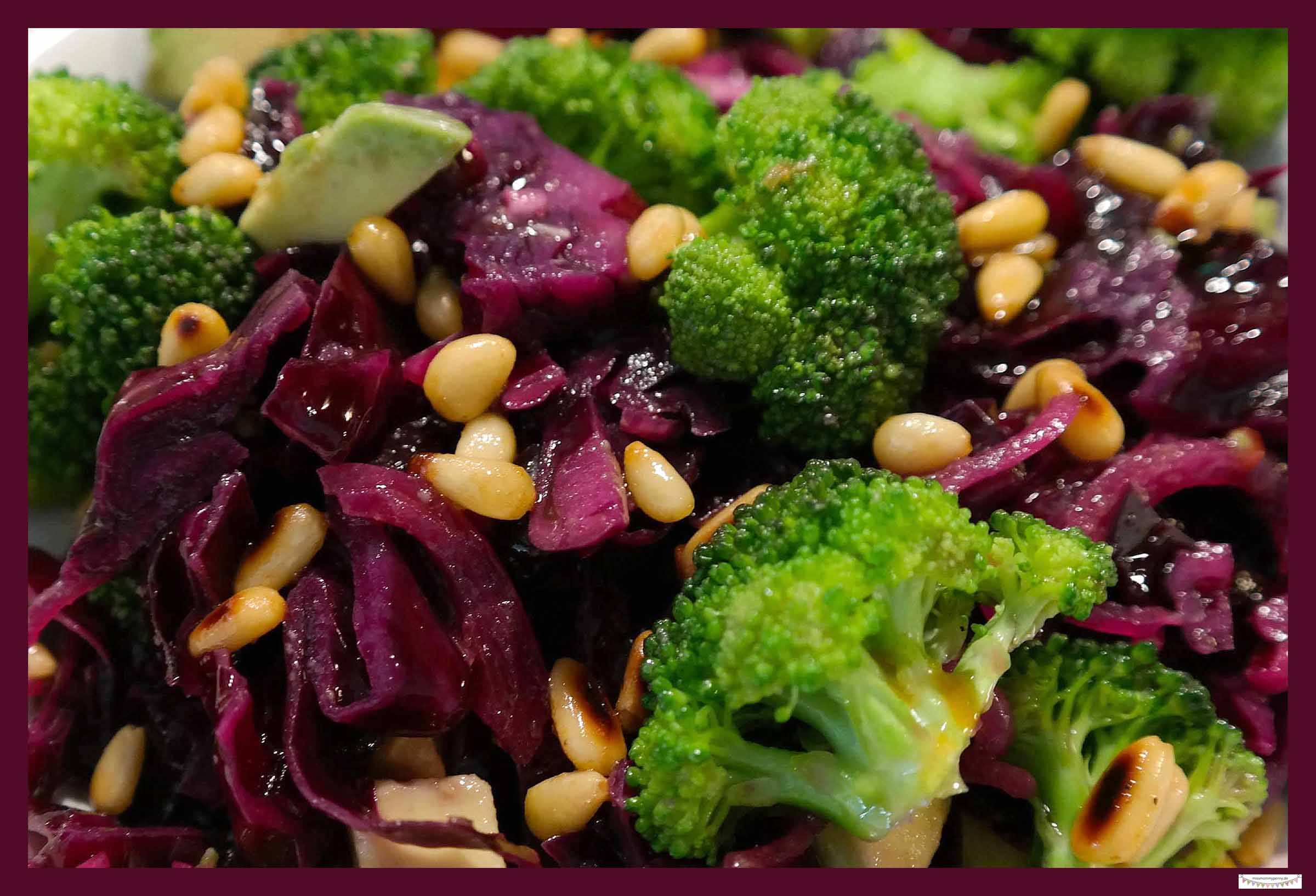 rotkohl salat mit karotten rezepte suchen. Black Bedroom Furniture Sets. Home Design Ideas