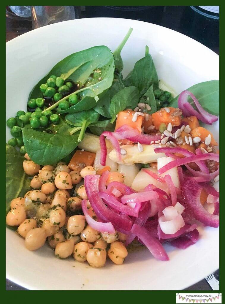 BOWLS – Salate & Gemüse in neuem Glanz